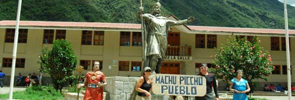 machu-picchu-pueblo-1-min